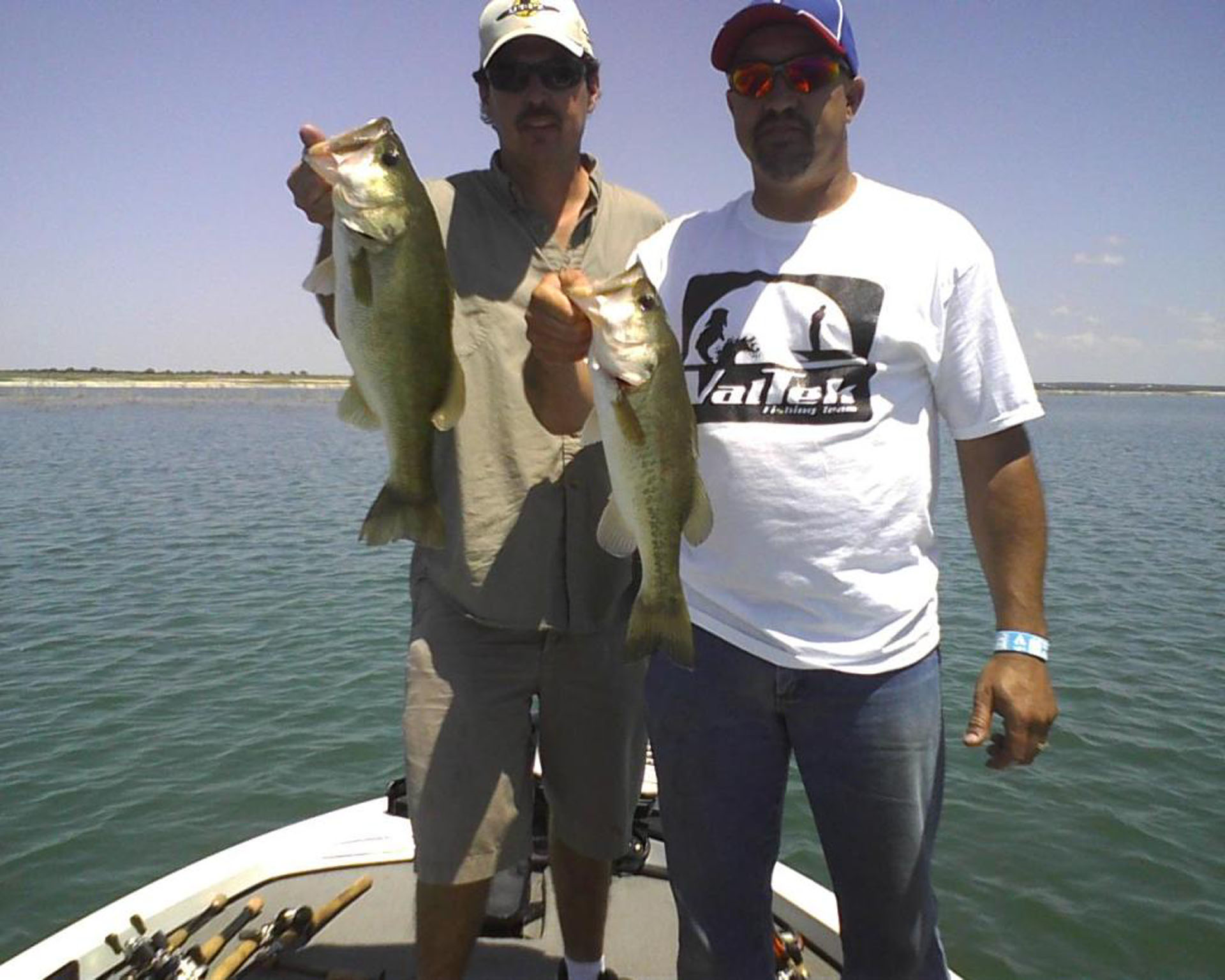 Lake amistad fishing guide amistad bass fishing guide lake for Fishing license in texas